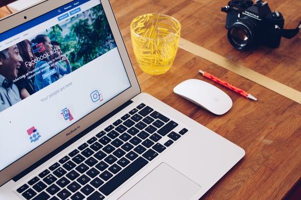 Facebook Ads shown on Macbook