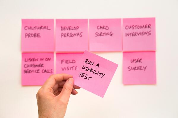 Sticky notes with research tips